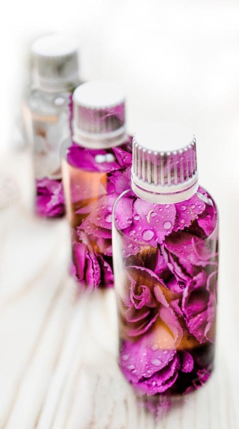 essential-oils-2405565_1920